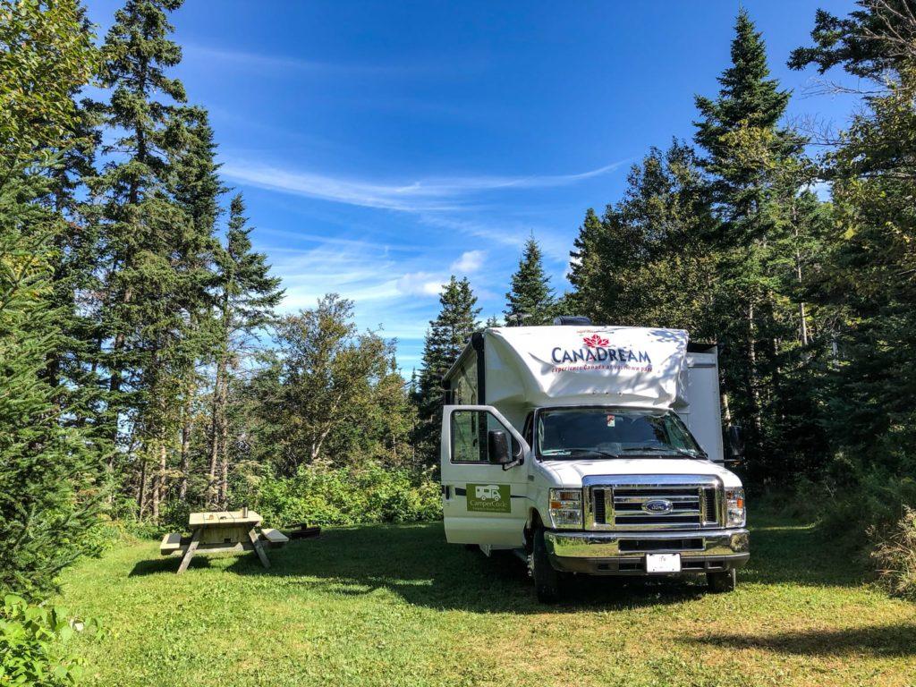 Unser Wohnmobil auf der Campsite im Battery Park Provincial Park