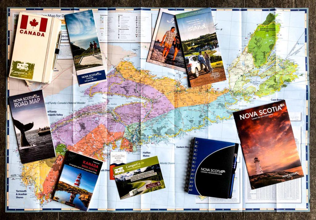 Planungsmaterial für Nova Scotia (Karte, diverse Prospekte und Notizbücher)