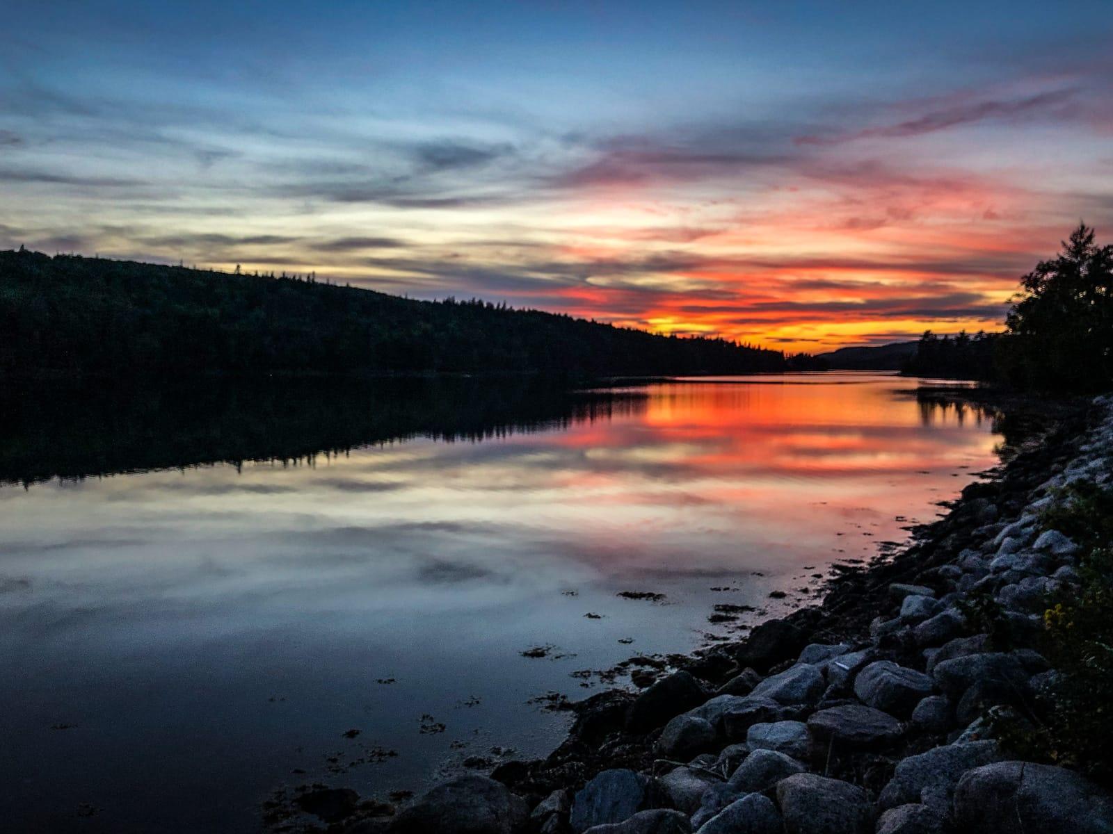 Sonnenuntergang im Salsman Provincial Park