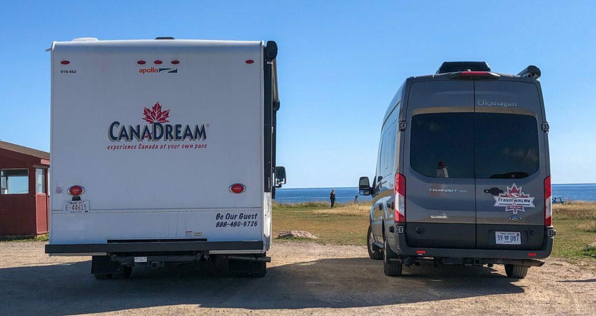 Der Super Van Camper (SVC) von CanaDream im Vergleich zum Van Conversion von Fraserway